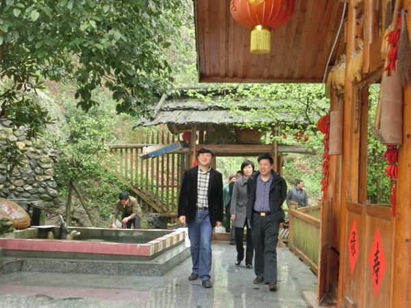 公司来隆回投资开发花瑶生态文化旅游,共同努力打造中国大花瑶景区,让